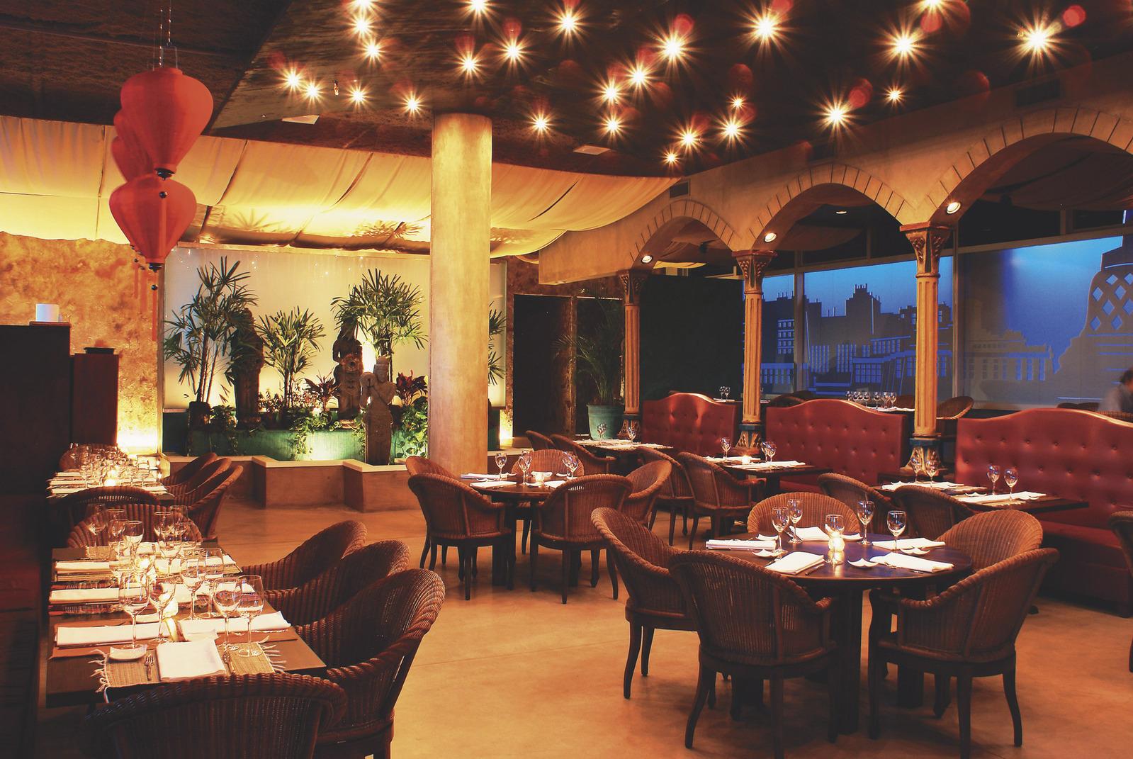 Buda Restaurant 1223975 1599×1070.jpg